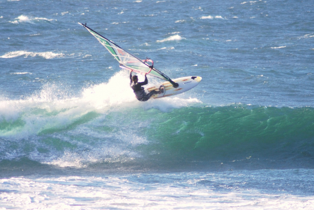 David windsurfing Chile wavesailing aerial takeoff